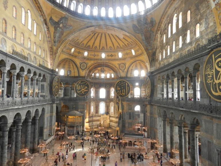 Hagia_Sophia,_Istanbul,_Turkey